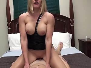Incext.com - Stunning mommy fucking with..