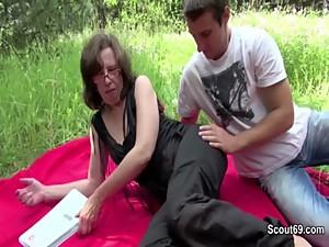Mother get seduce to fuck german..