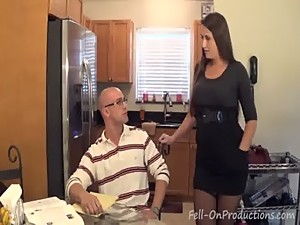 Madisin Lee in MILF mom helps son with..