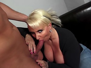 Mature curvy mother fucks young not her..
