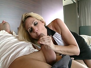 Angela AttiSon's friend - Peeping Mom